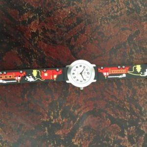 שעון יד לבנים מכבי אש מבית גולף - קולקציית קיץ 2020 - דגם SUM20FF04