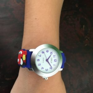 שעון יד לבנים מבית גולף - קולקציית קיץ 2020 - דגם SUM20AP02