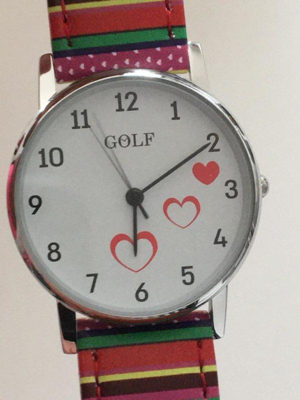 סטרייפס צבעוני שמח עם לבבות רקע 980 GOLF