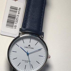 שעון יד מודרני-קלאסי חלק בגוון כחול כהה ורקע לבן בהיר מבית וקטור קולקציית 2021 דגם V8-132513WHITE