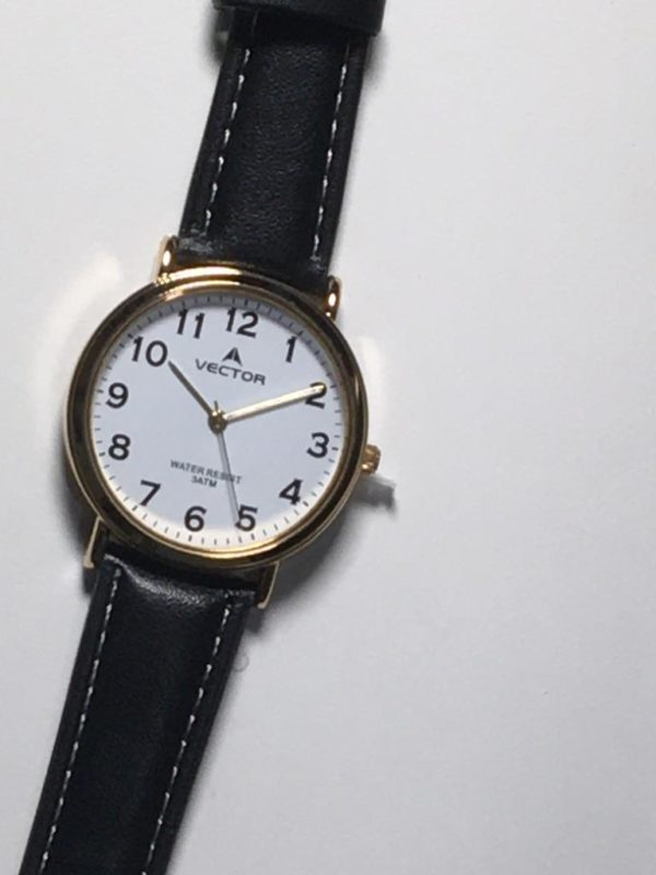 שעון יד קלאסי יוקרתי עם רצועות עור שחורות מסגרת זהובה ורקע לבן קולקציית וקטור 2021 דגם V8-131591WHITE