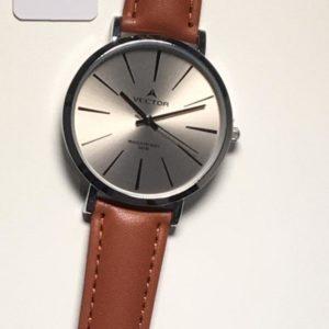 שעון יד קלאסי-קלאסי רצועות עור חומות ורקע כסוף-אפור קולקציית וקטור 2021 דגם V8-133513GREY