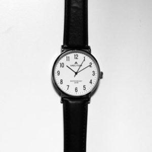 שעון יד רקע לבן ורצועות עור שחורות מבית וקטור קולקציית 2021 דגם VECTOR V8-132511WHITE