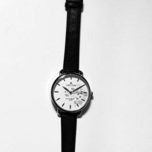 V9-112513 שעון יד נשי עם רצועות עור שחורות מבית גולף קולקציית 2021- דגם גולף
